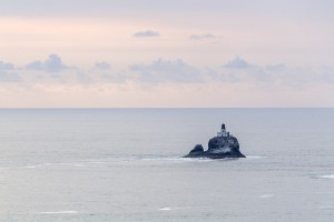 lighthouse-1031071_1920